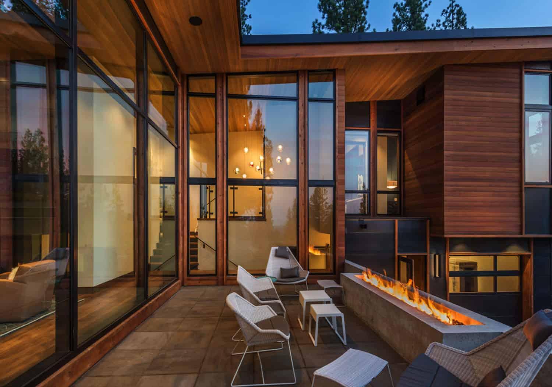 rustic-mountain-home-patio
