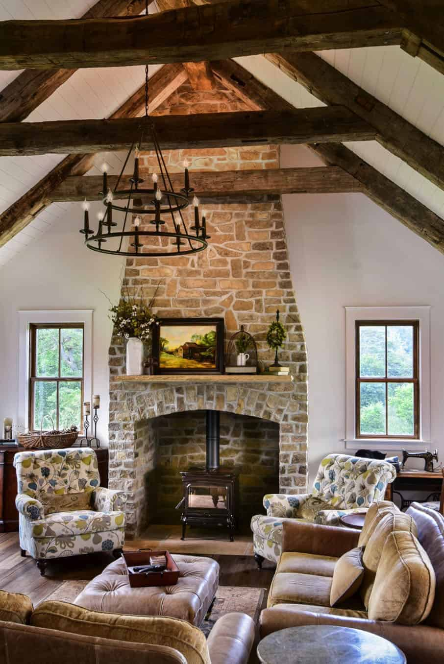 mountain-farmhouse-style-living-room-fireplace