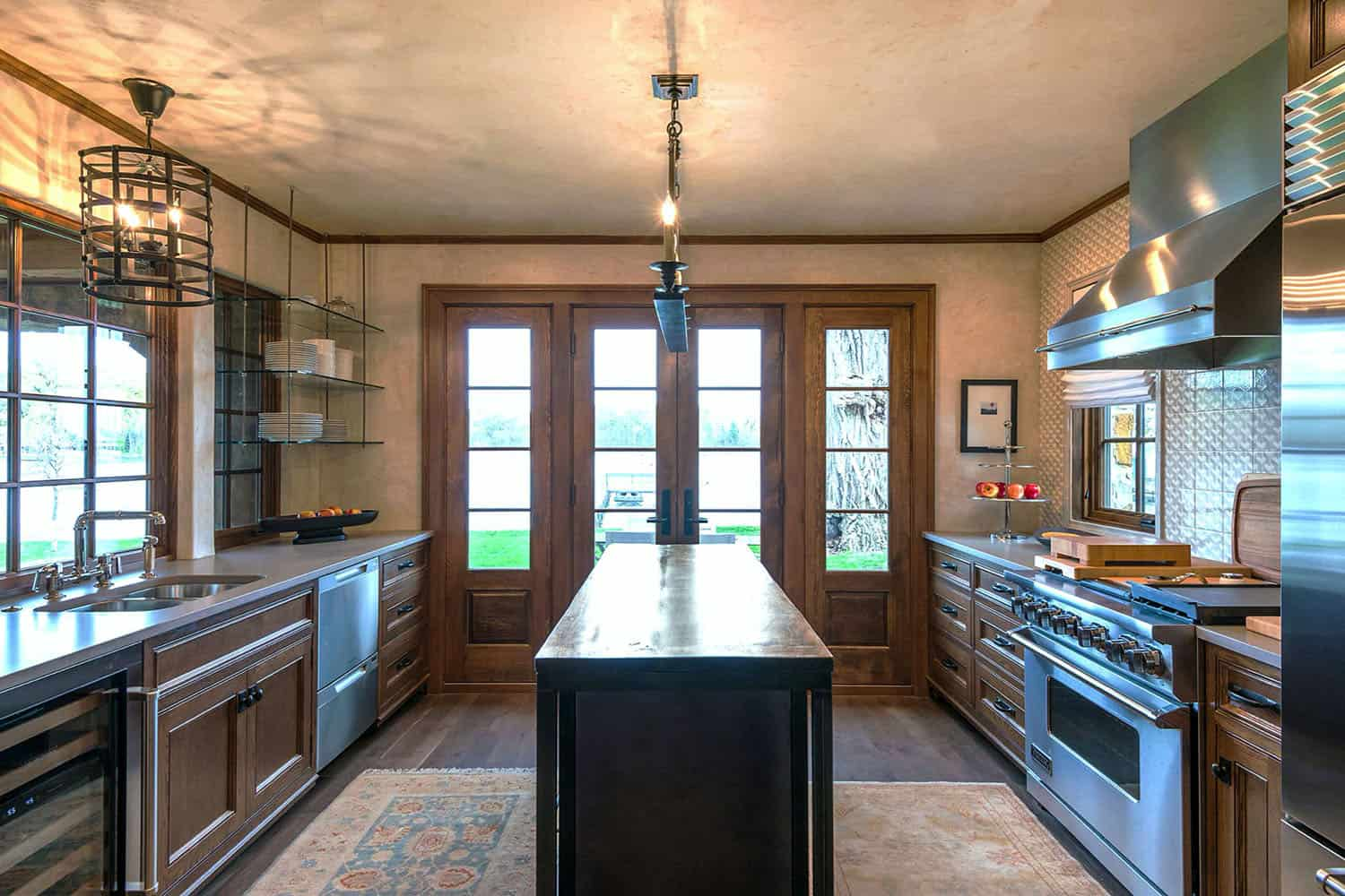 traditional-stone-cottage-kitchen