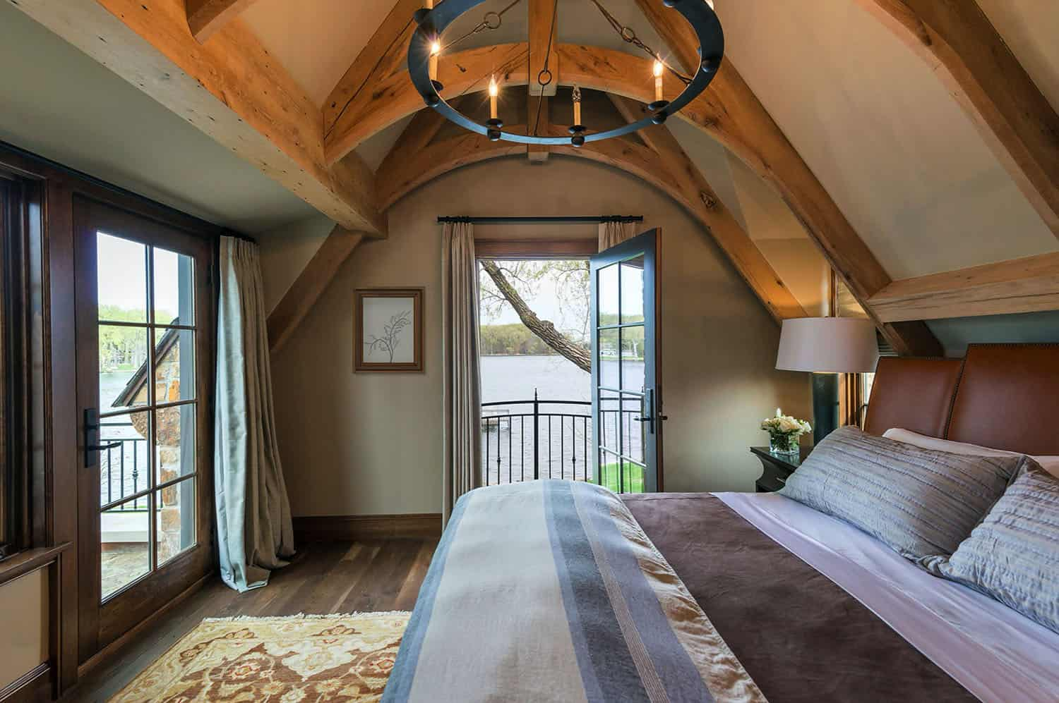 traditional-stone-cottage-bedroom