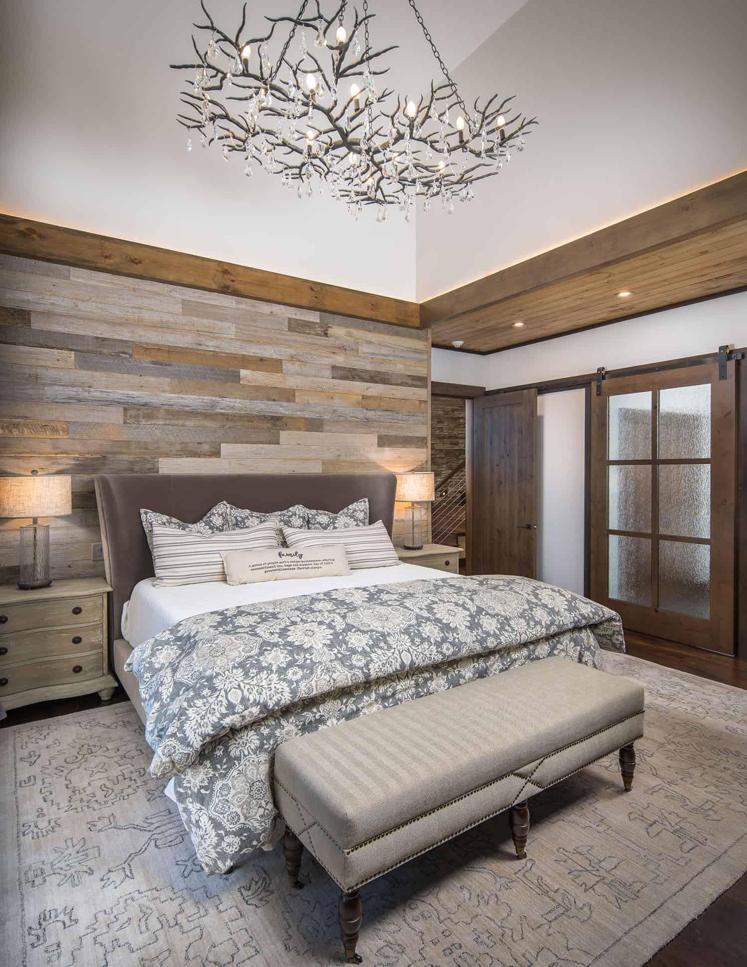 rustic-ski-retreat-bedroom
