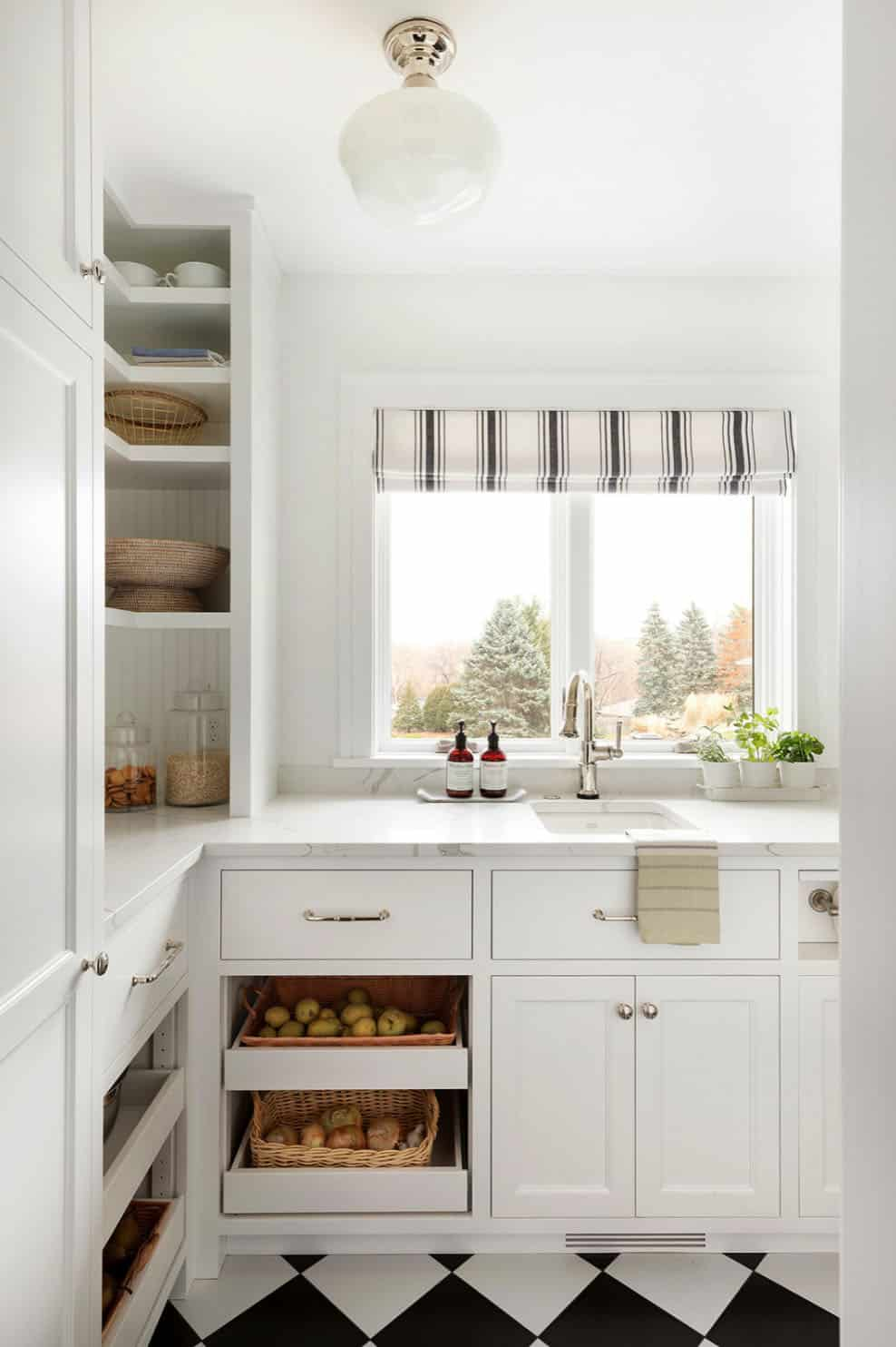 traditional-kitchen-pantry