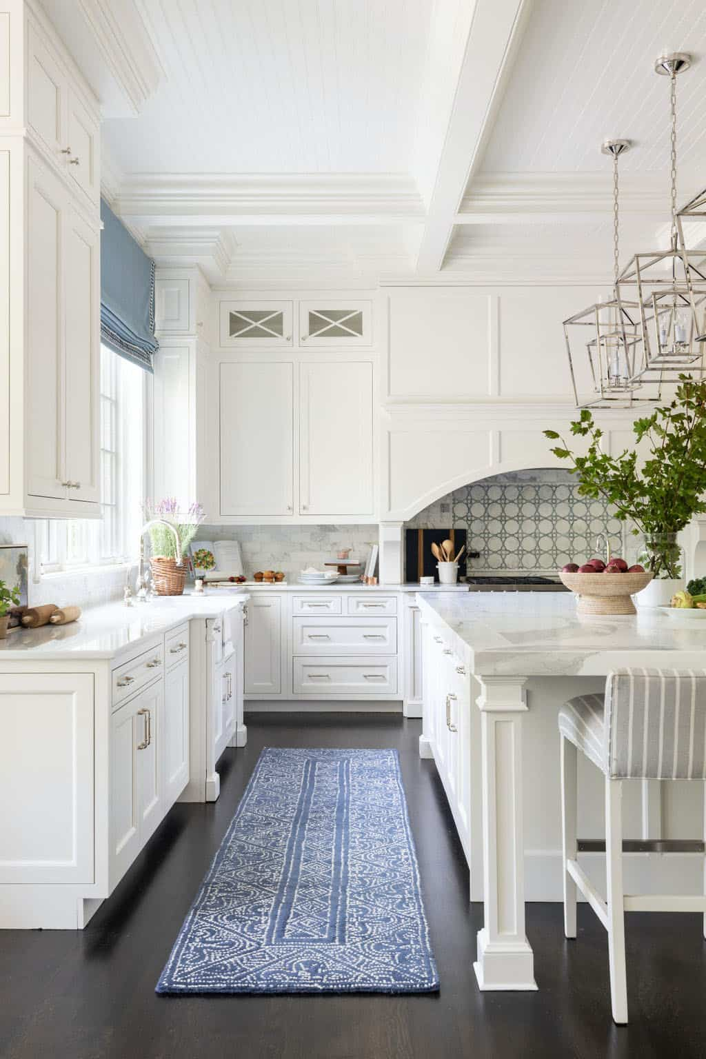 kitchen-with-sophisticated-styling