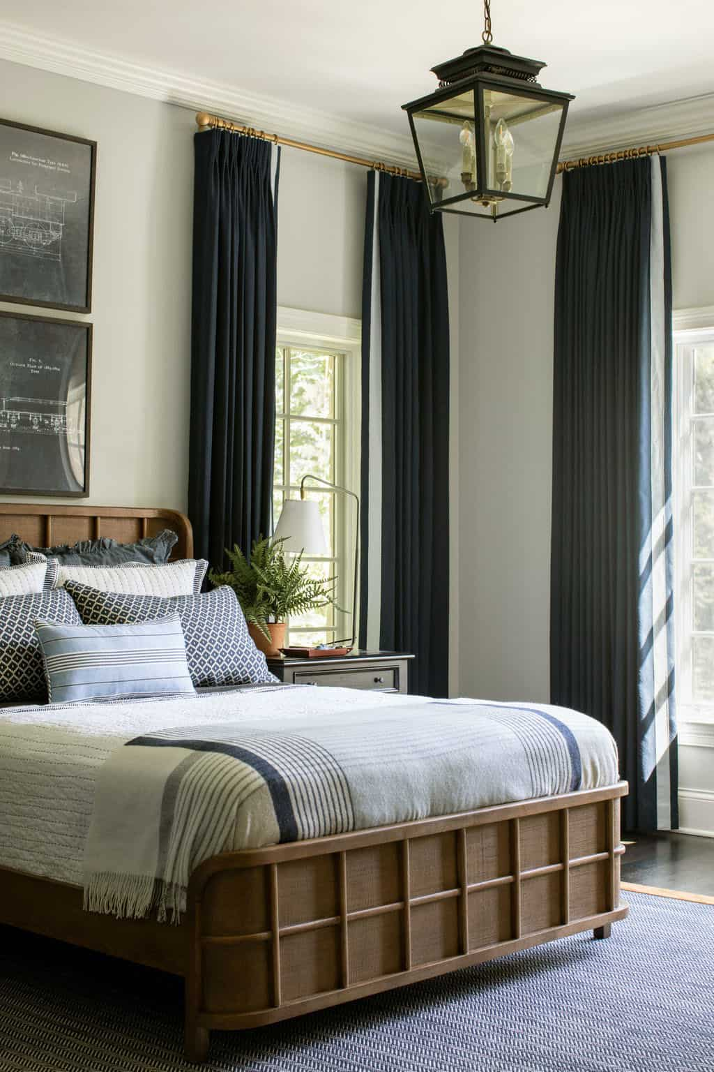 bedroom-with-sophisticated-styling