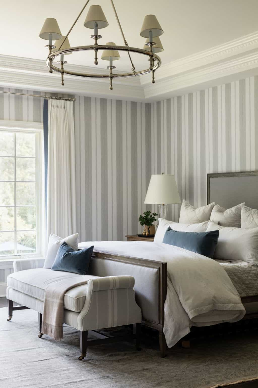 master-bedroom-with-sophisticated-styling