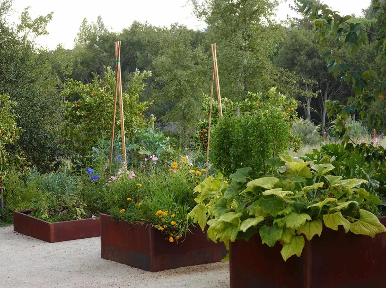 farmhouse-container-garden