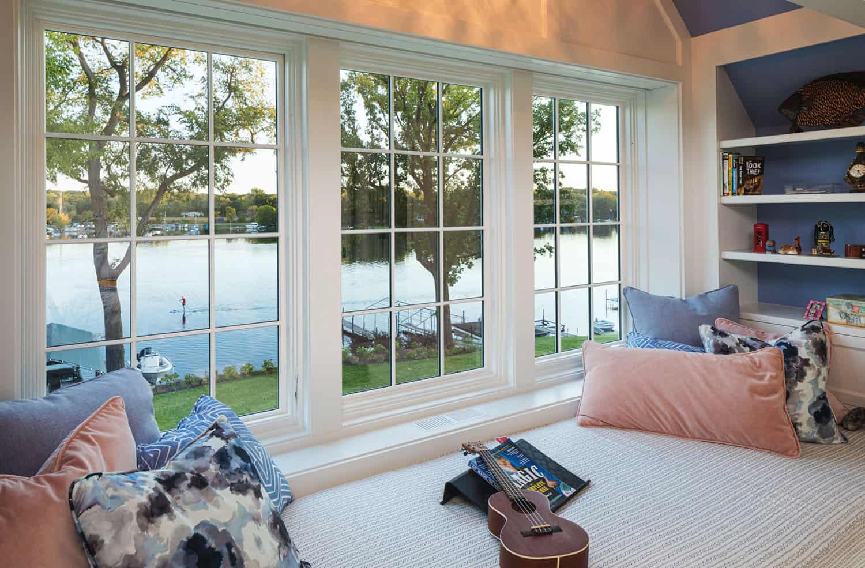 spavaća soba-prozor-sjedalo u stilu plaže