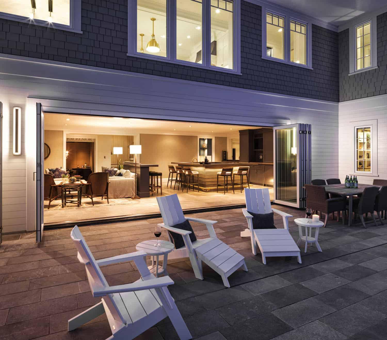 lakeside-home-patio