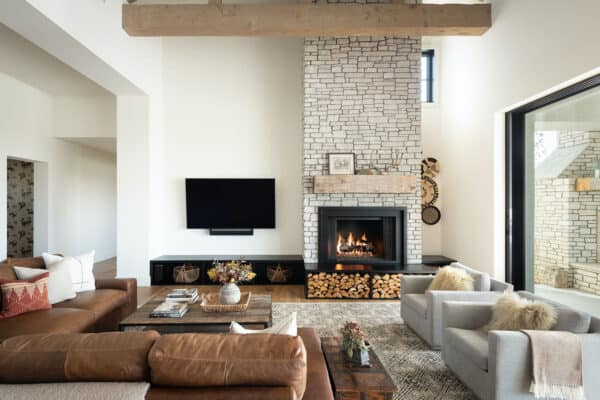 featured posts image for Mountain style home with a farmhouse twist in the hills of San Diego