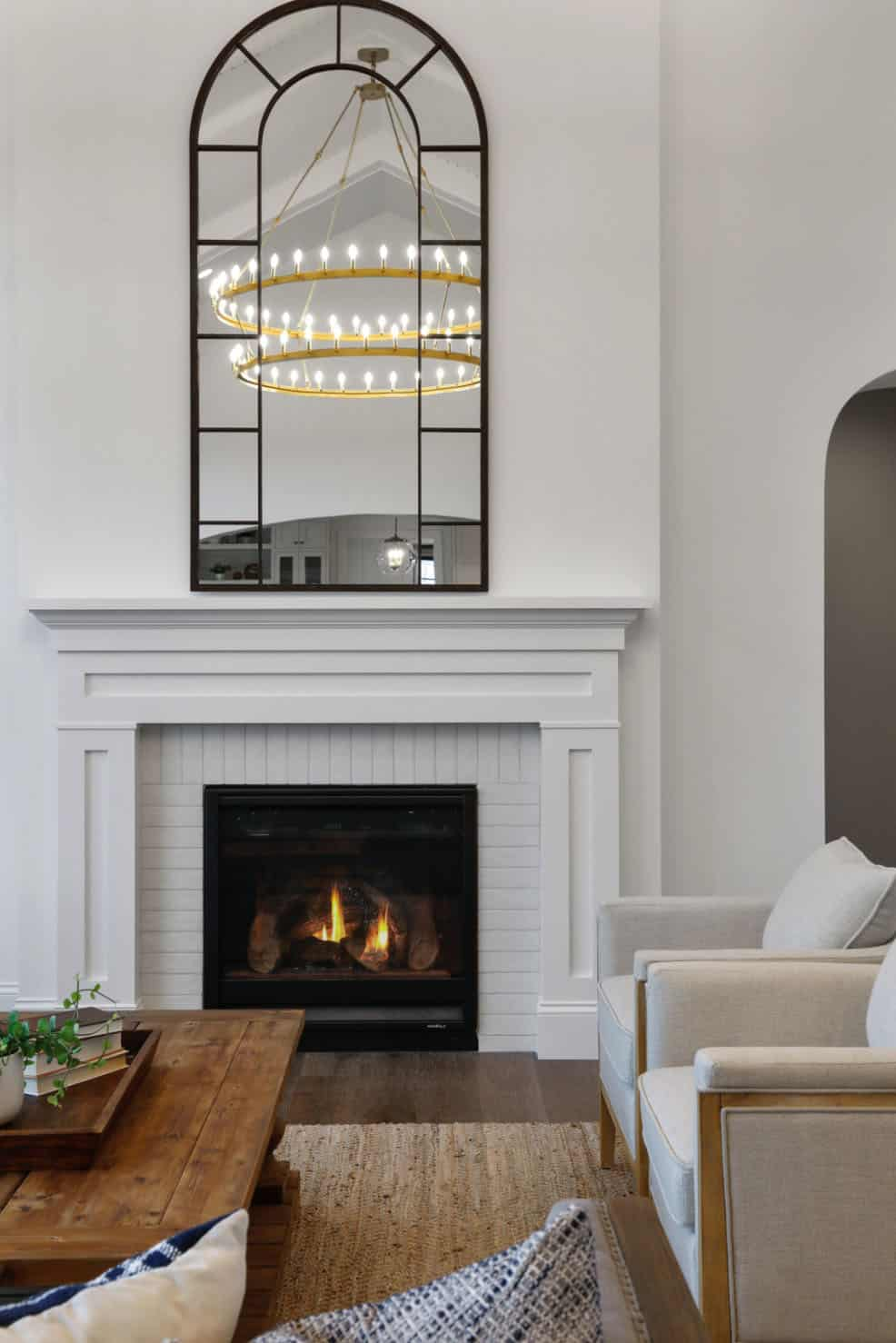 farmhouse-living-room-fireplace