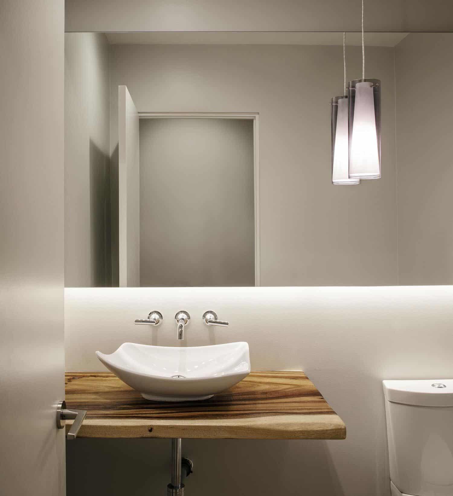 coastal-mid-century-bathroom