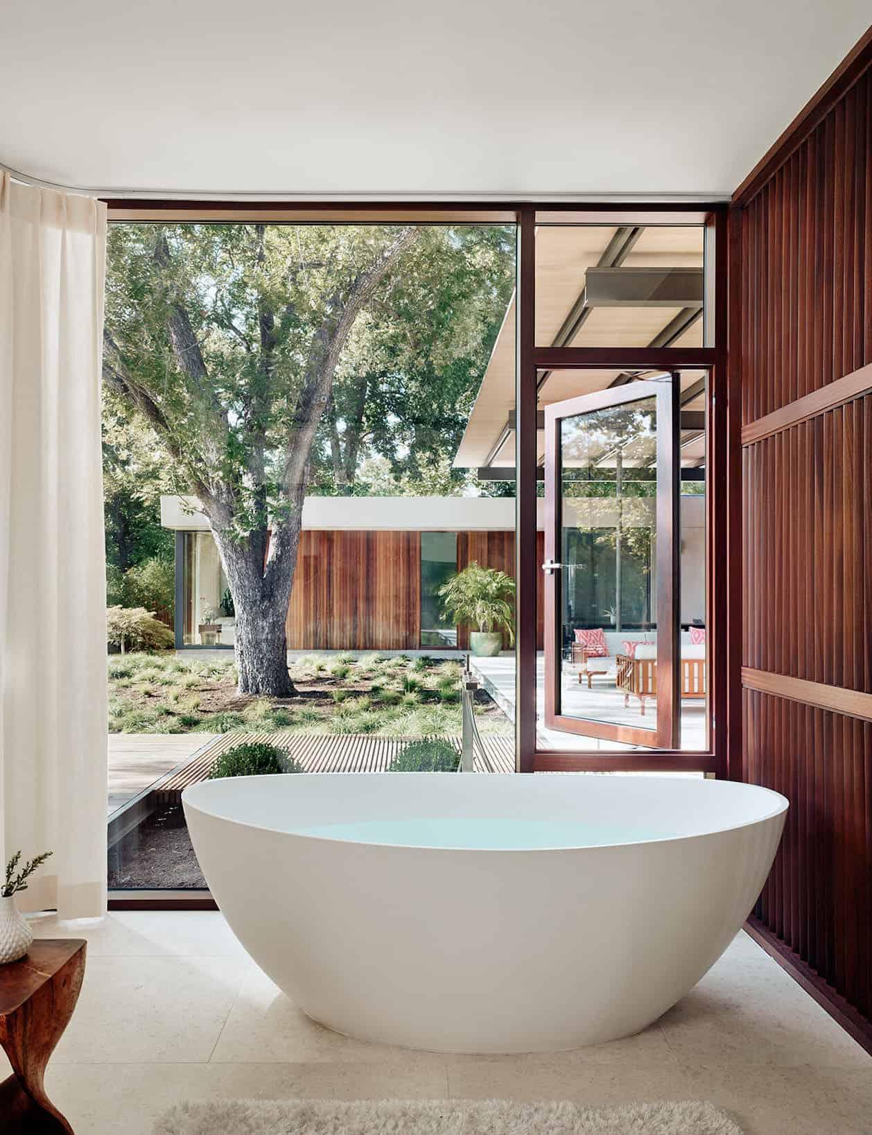 moderna-kupaonica-samostojeća kada