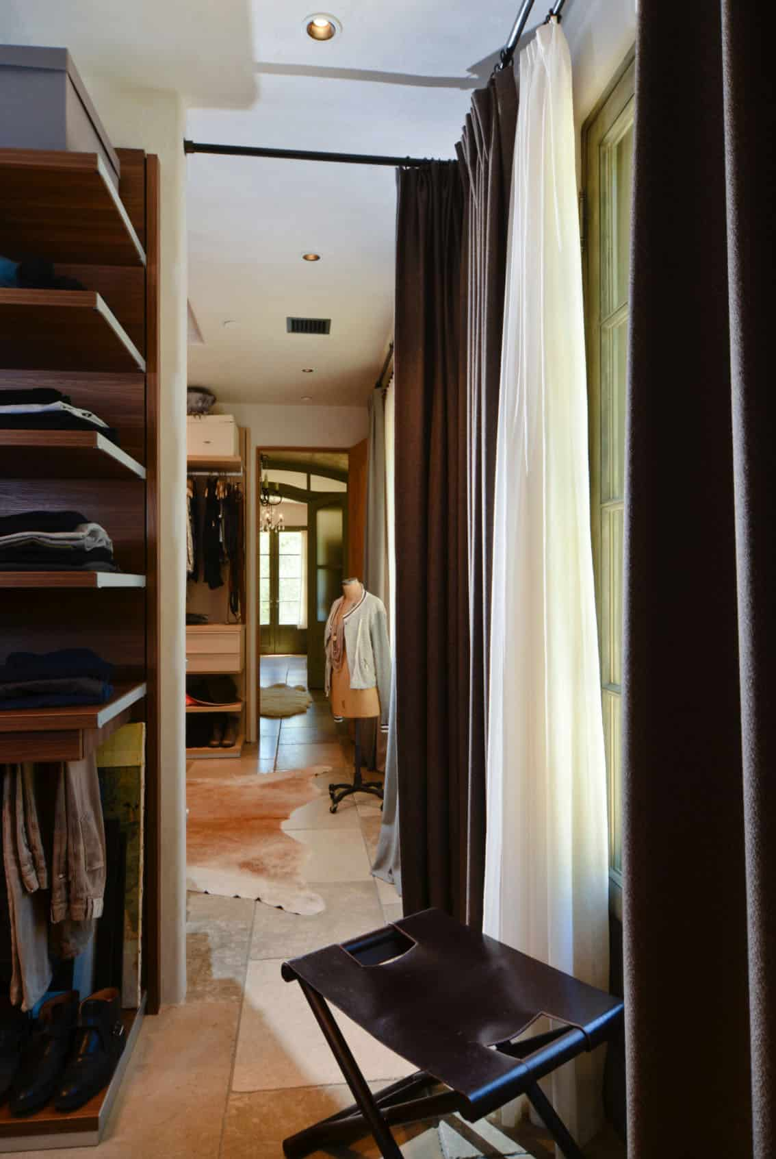 mediterranean-closet