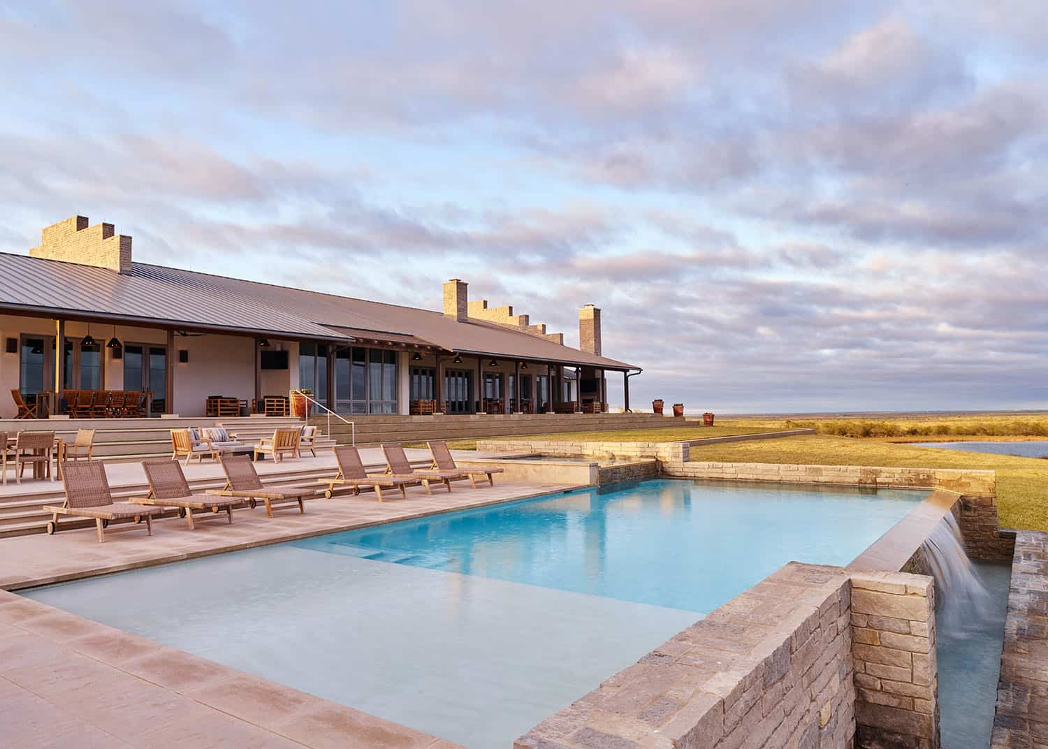 ranch-house-swimming-pool