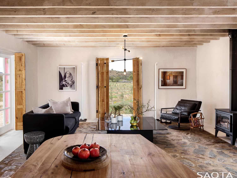 heritage-farm-dining-room