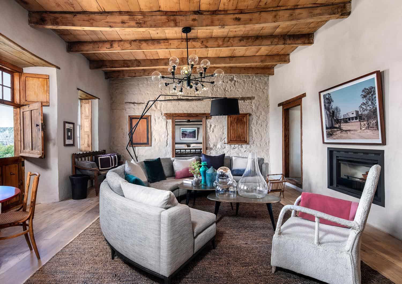 heritage-farm-living-room