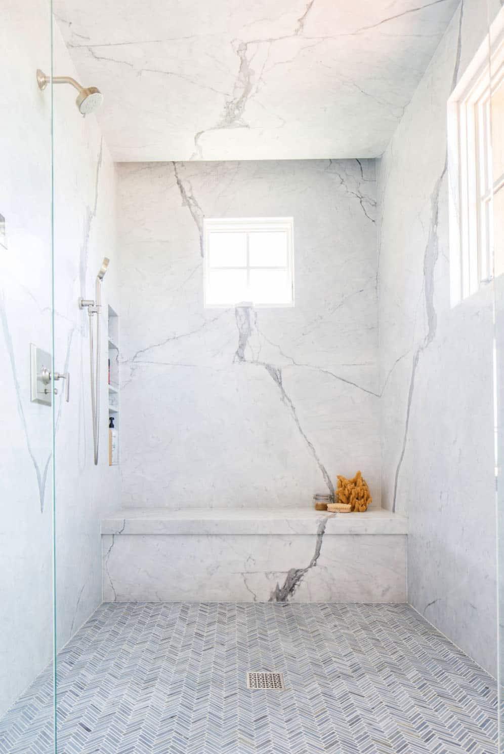 mediterranean-bathroom-shower