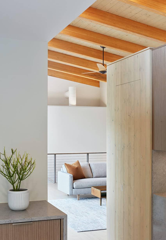 minimalist-hall