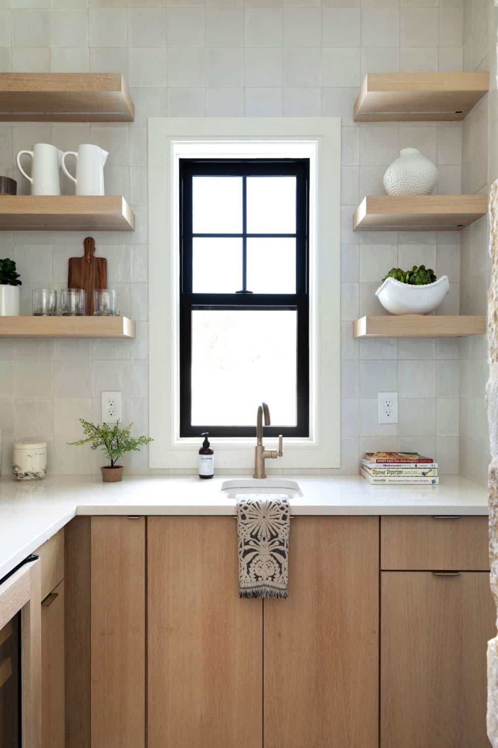 scandinavian-prep-kitchen