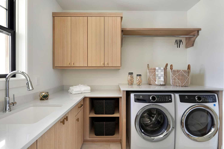 scandinavian-laundry-room