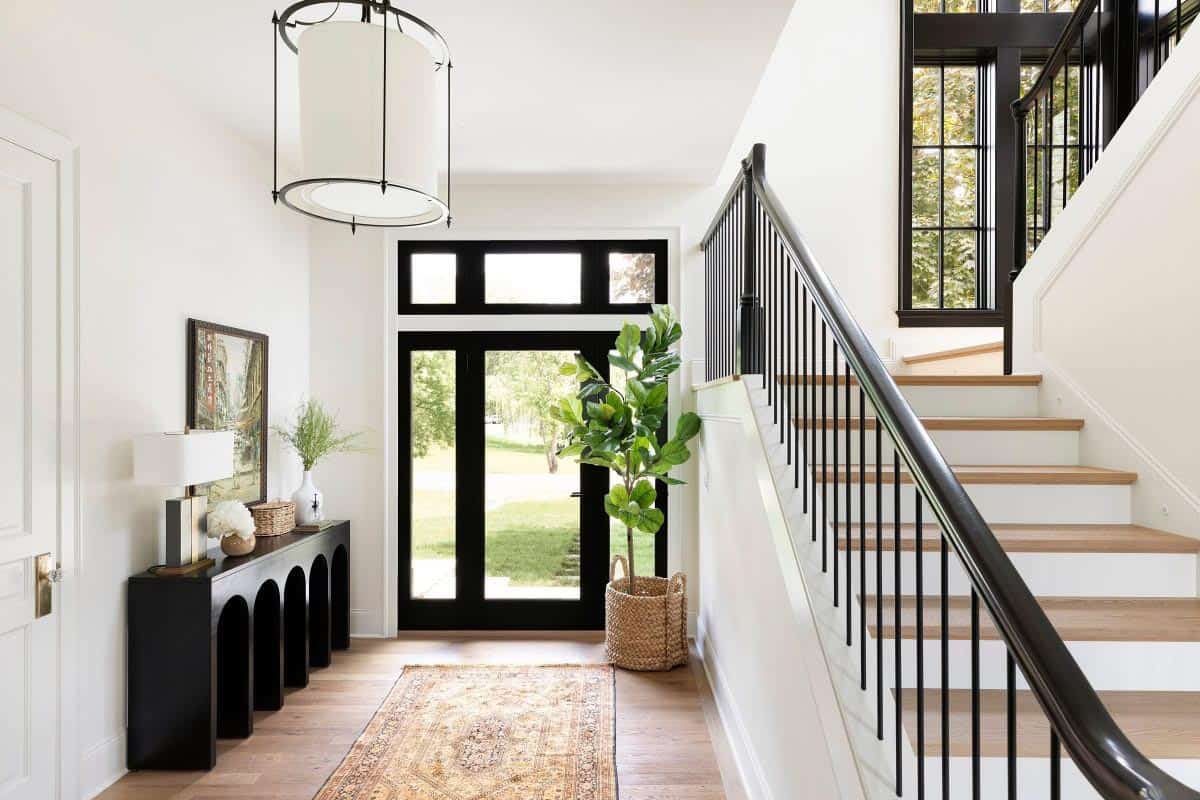 modern-transitional-home-entry