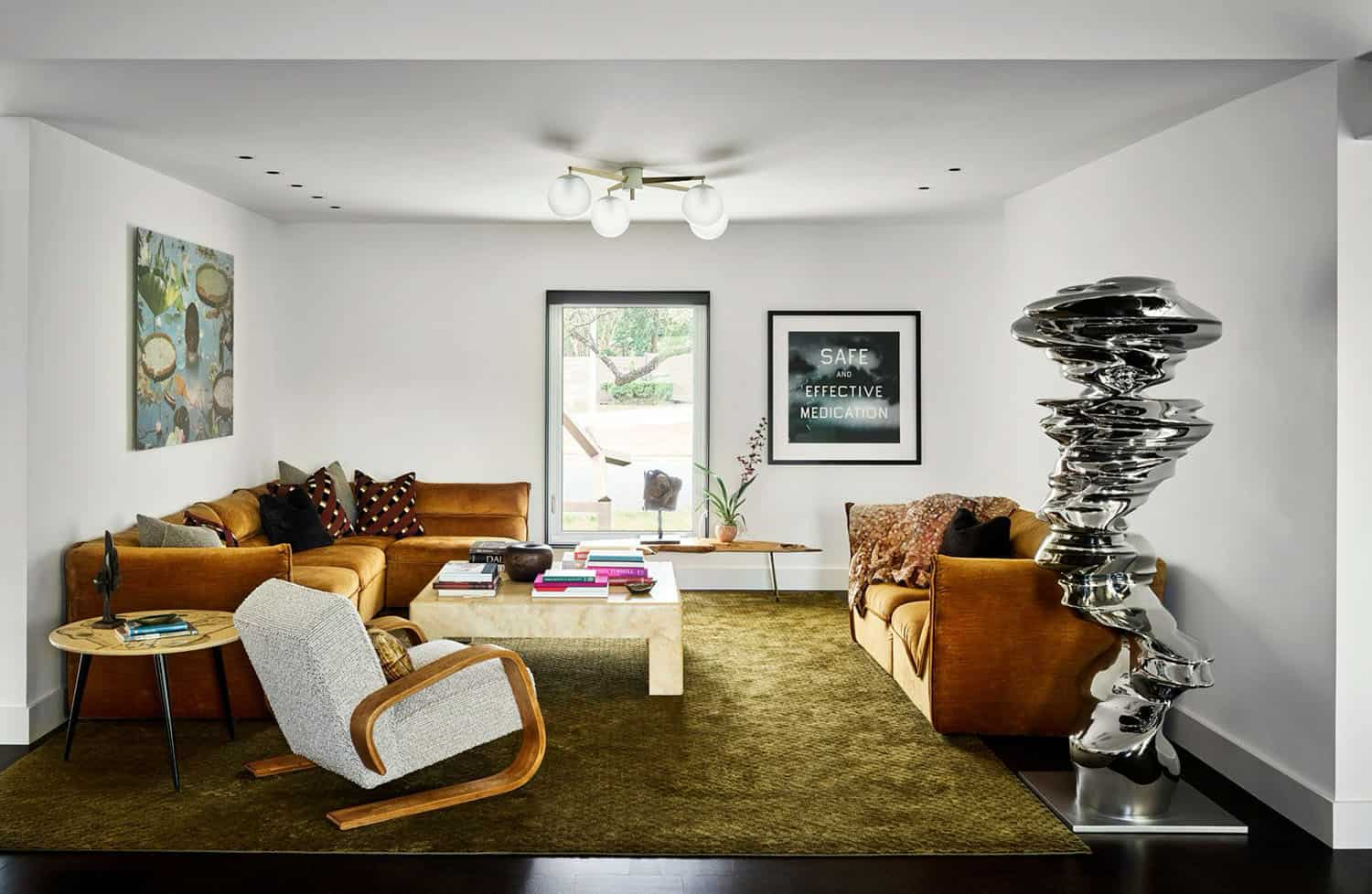 modernist-home-living-room