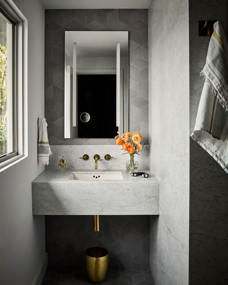 modernist-master-bathroom