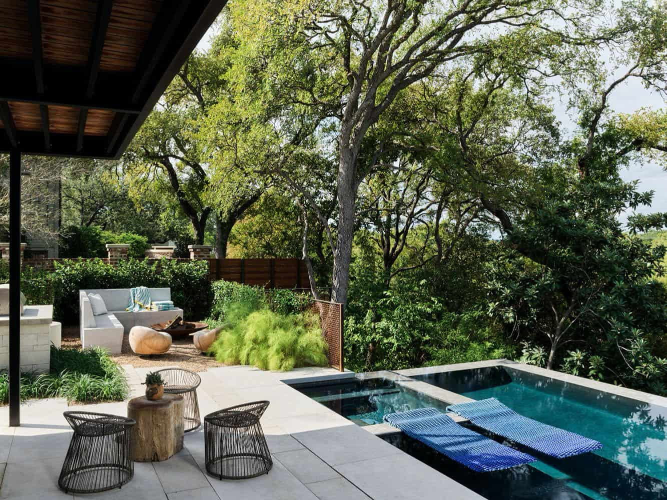 modernist-home-infinity-pool-fire-pit