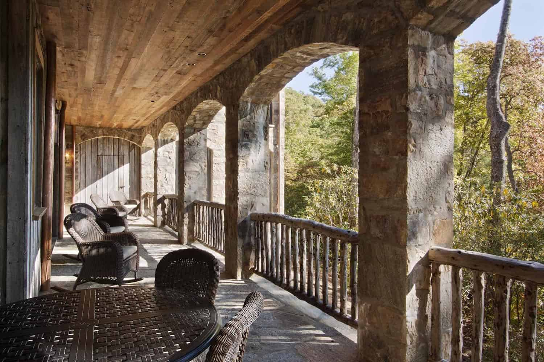 mountain-craftsman-balcony