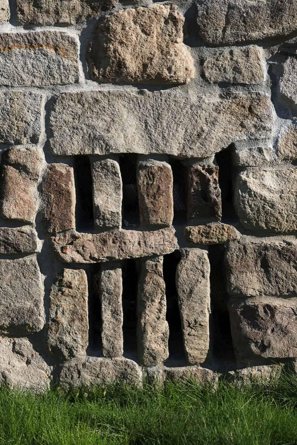 rustikalno-planinski-stil-kuća-vanjski-detalj zida