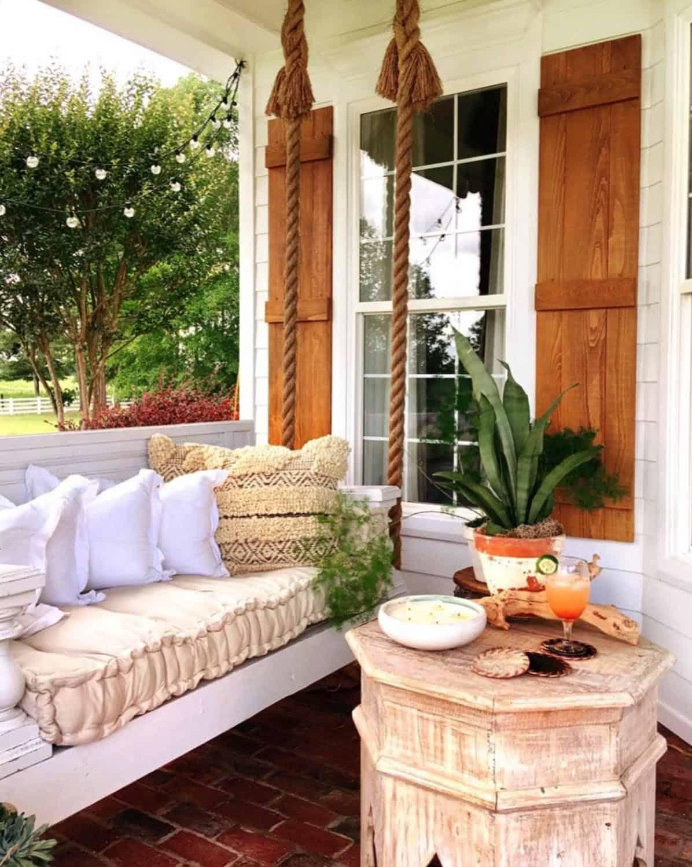 outdoor-porch-swing
