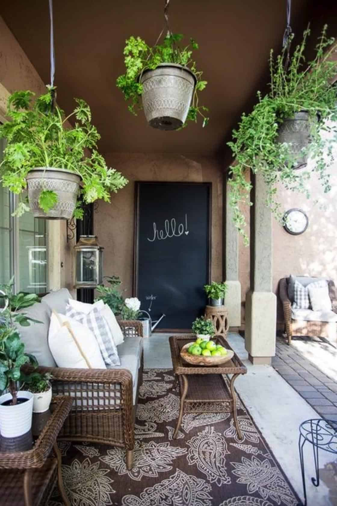 French-courtyard-design-outdoors