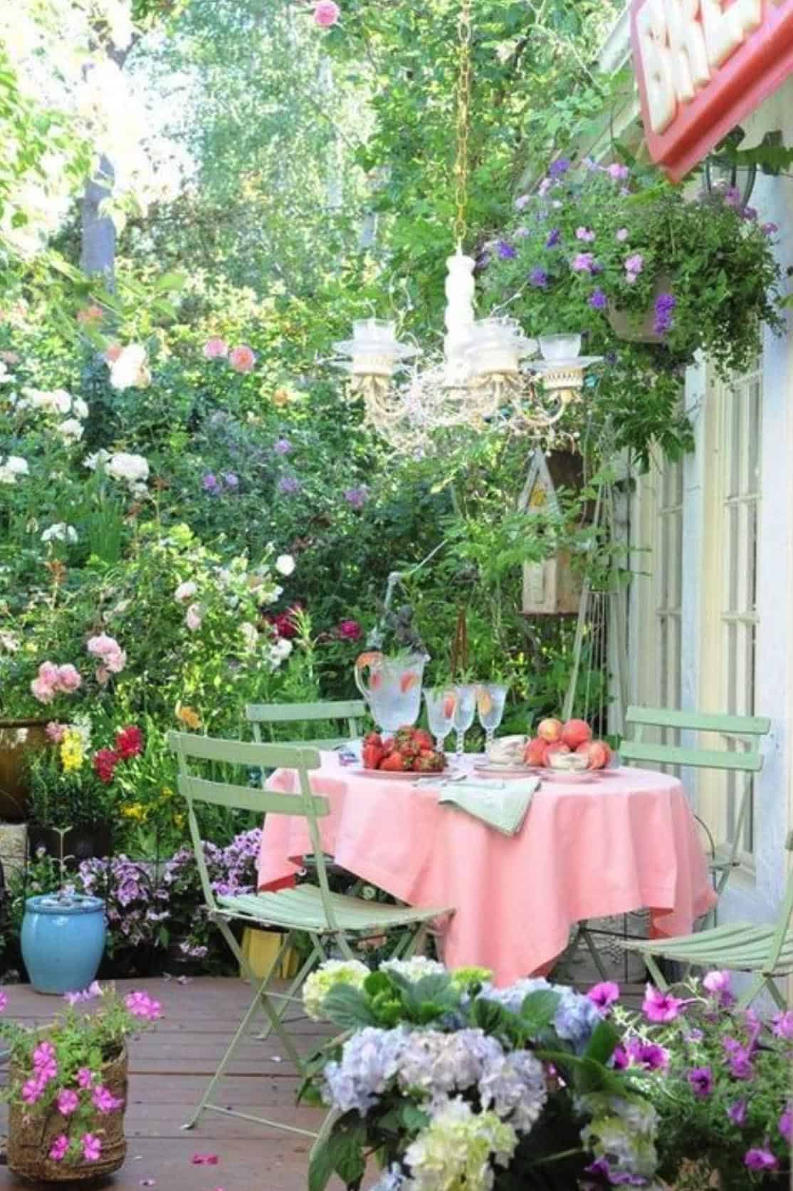 garden-tea-party-dining-table