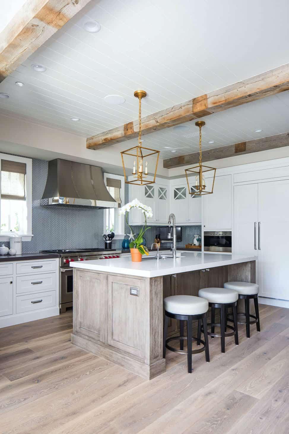 traditional-coastal-kitchen