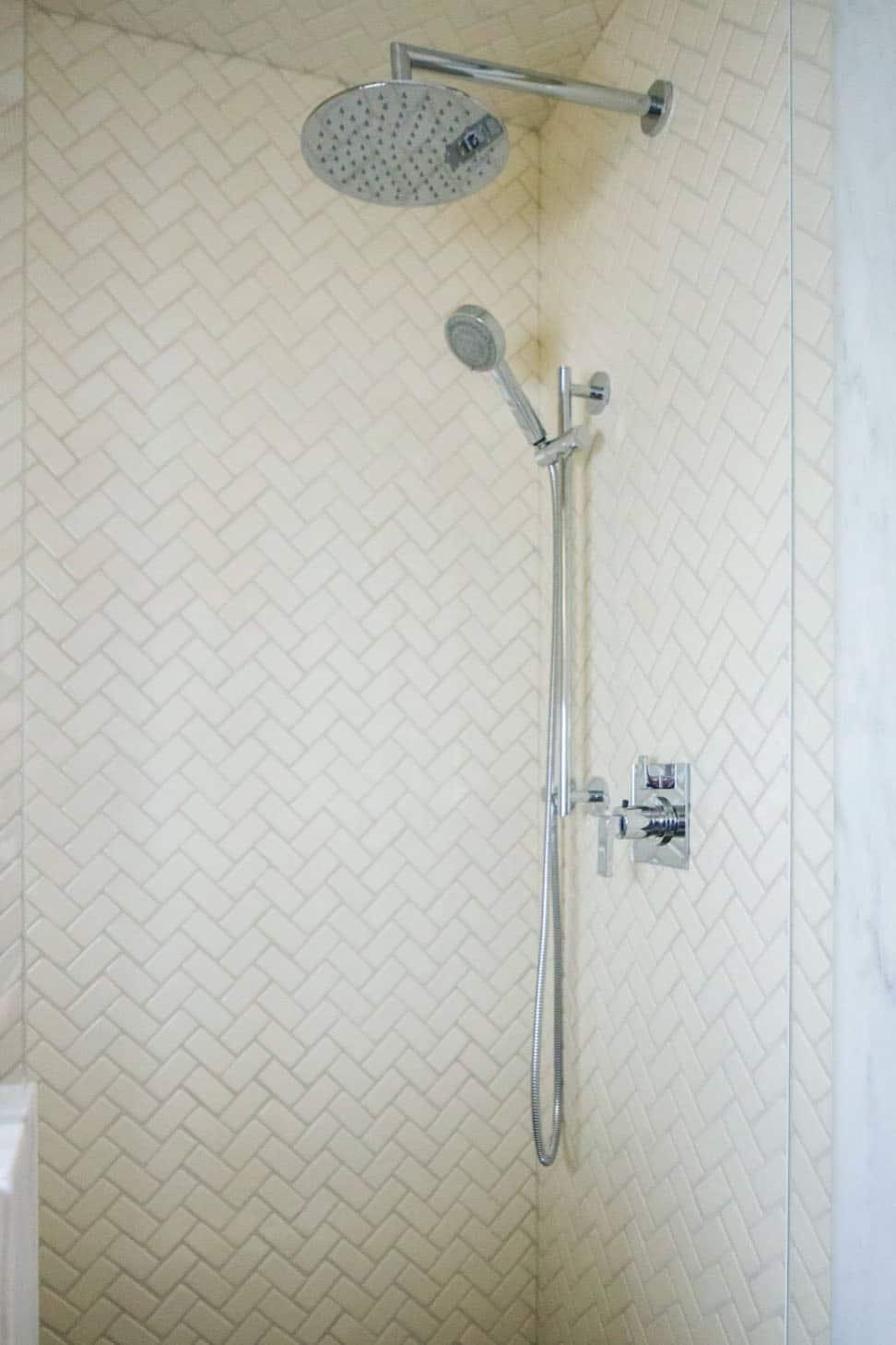 traditional-bathroom-shower