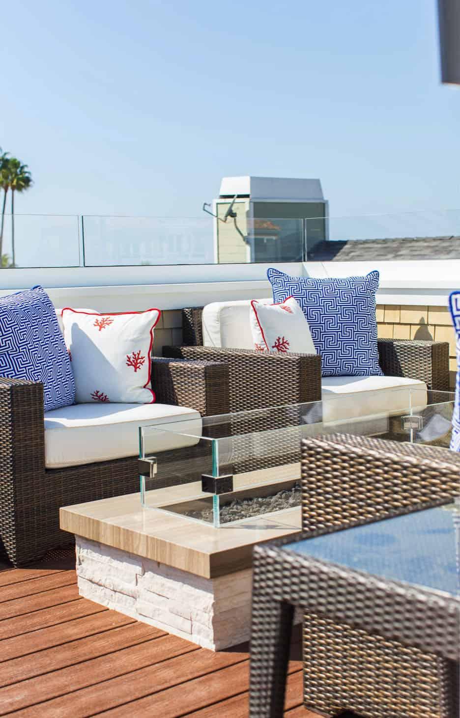 traditional-coastal-roof-deck
