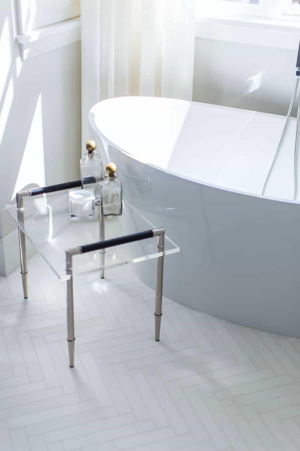 traditional-master-bathroom-tub