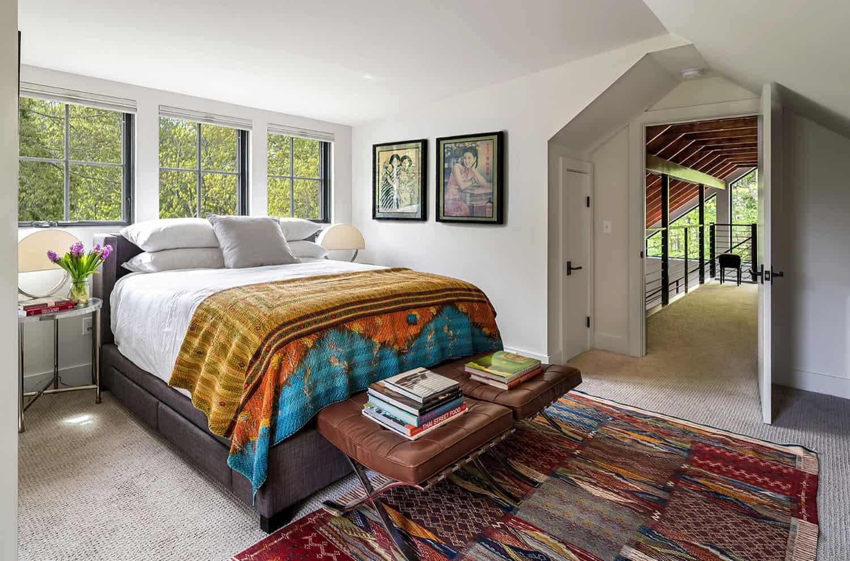 barn-home-farmhouse-bedroom