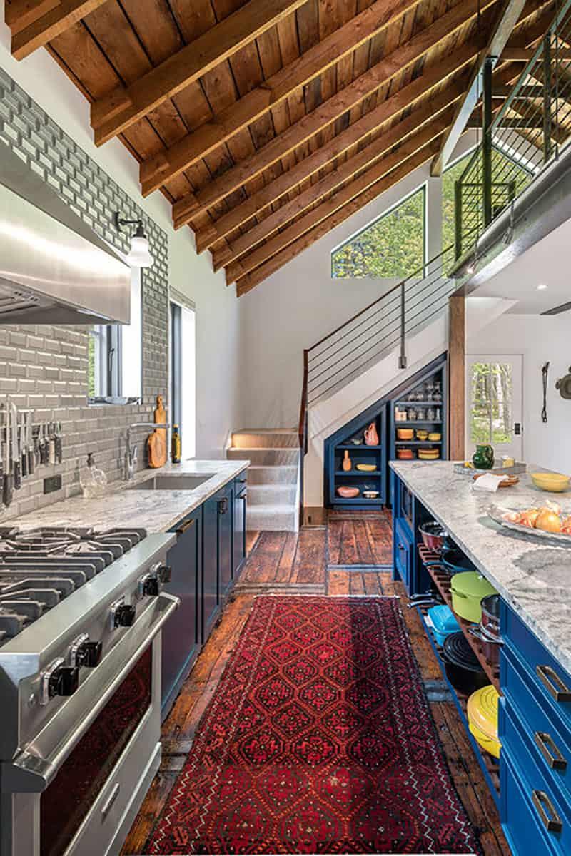 barn-home-kitchen