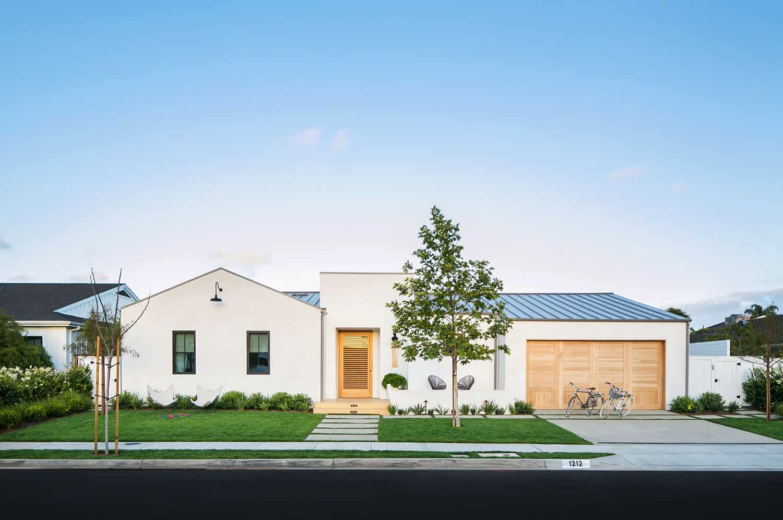 modern-coastal-dream-home-exterior
