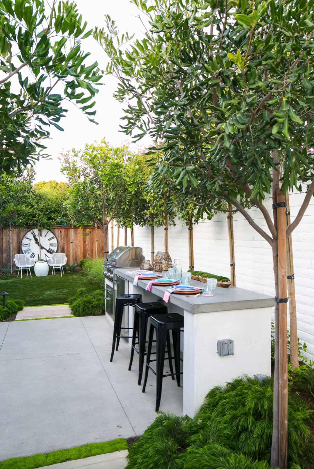 modern-coastal-dream-home-patio