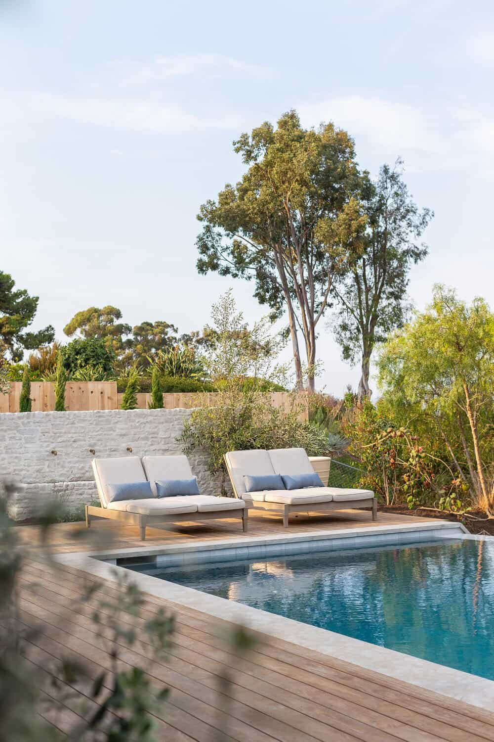 transitional-style-swimming-pool