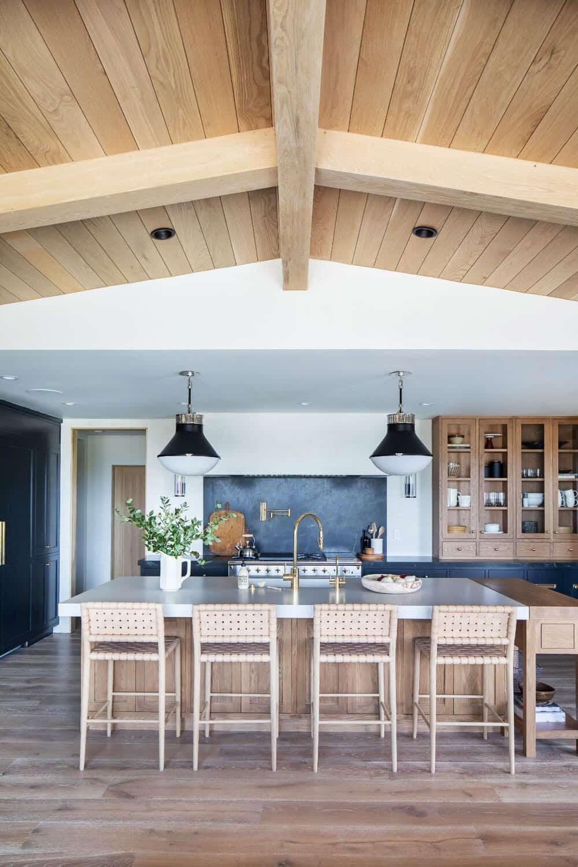 california-moody-vibe-kitchen