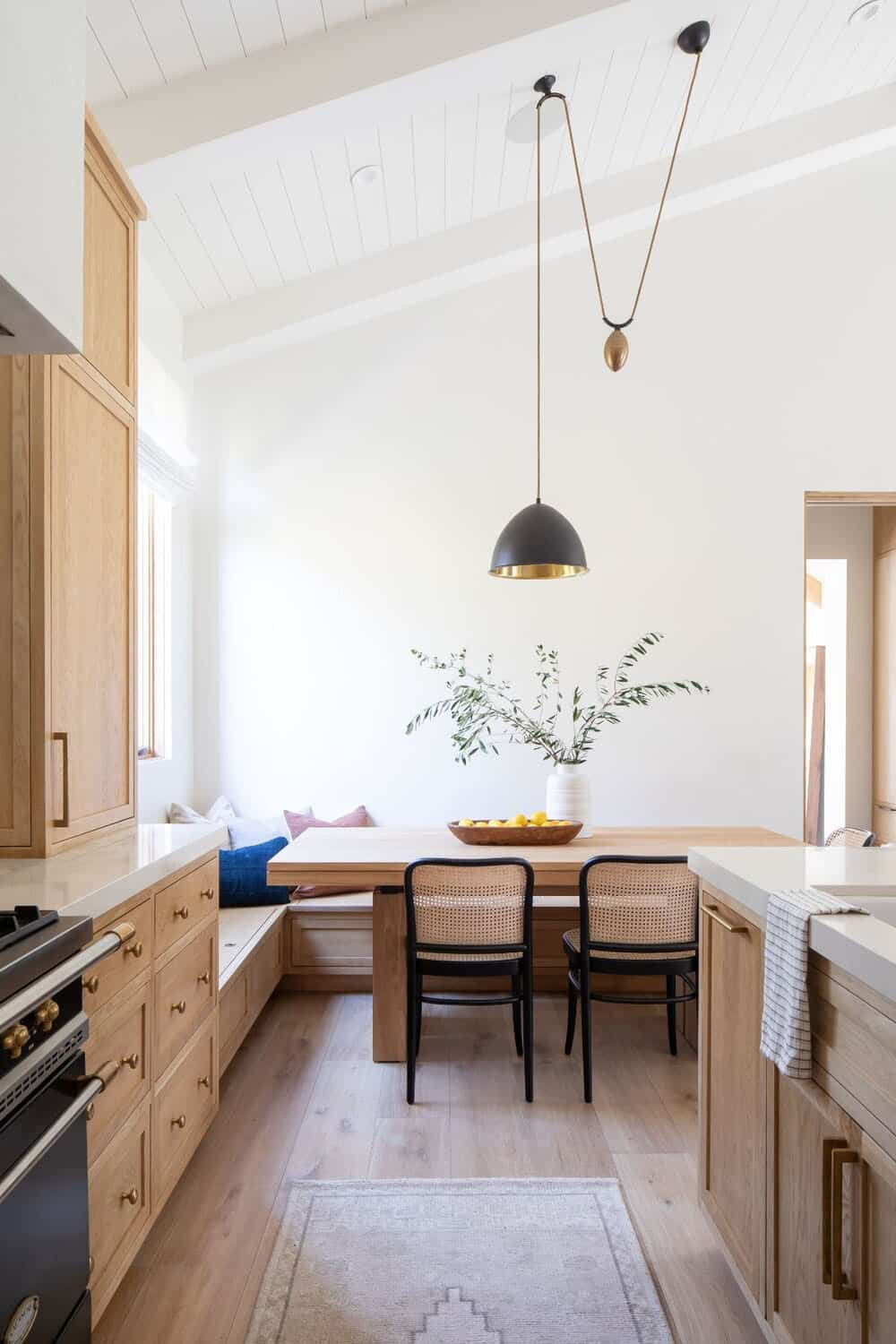 transitional-style-guest-kitchen
