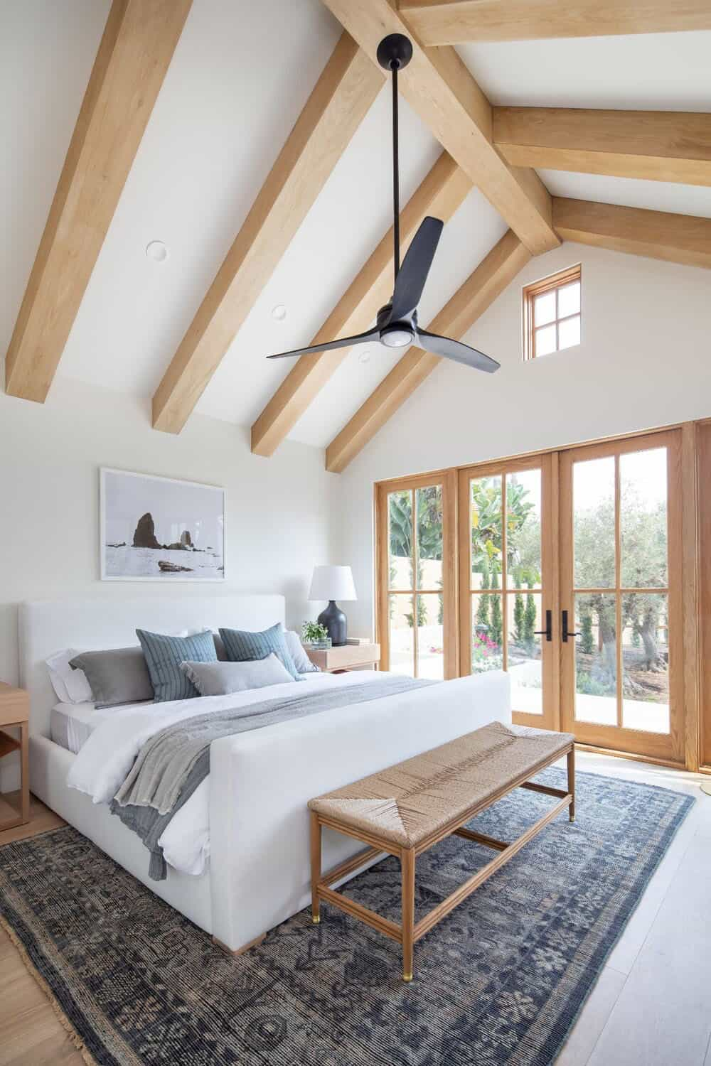 transitional-style-guest-bedroom