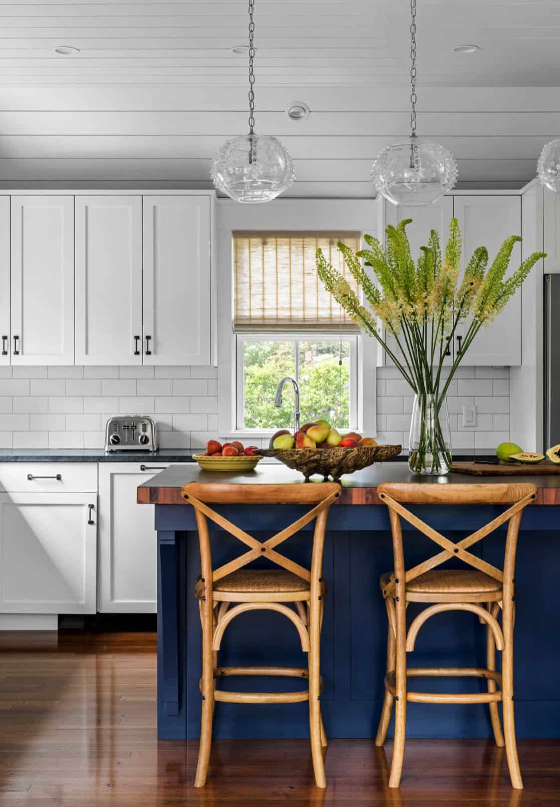 agrarian-cottage-kitchen