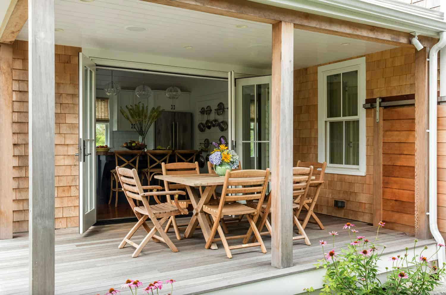 agrarian-cottage-deck