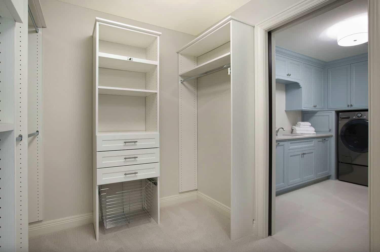 beach-style-closet