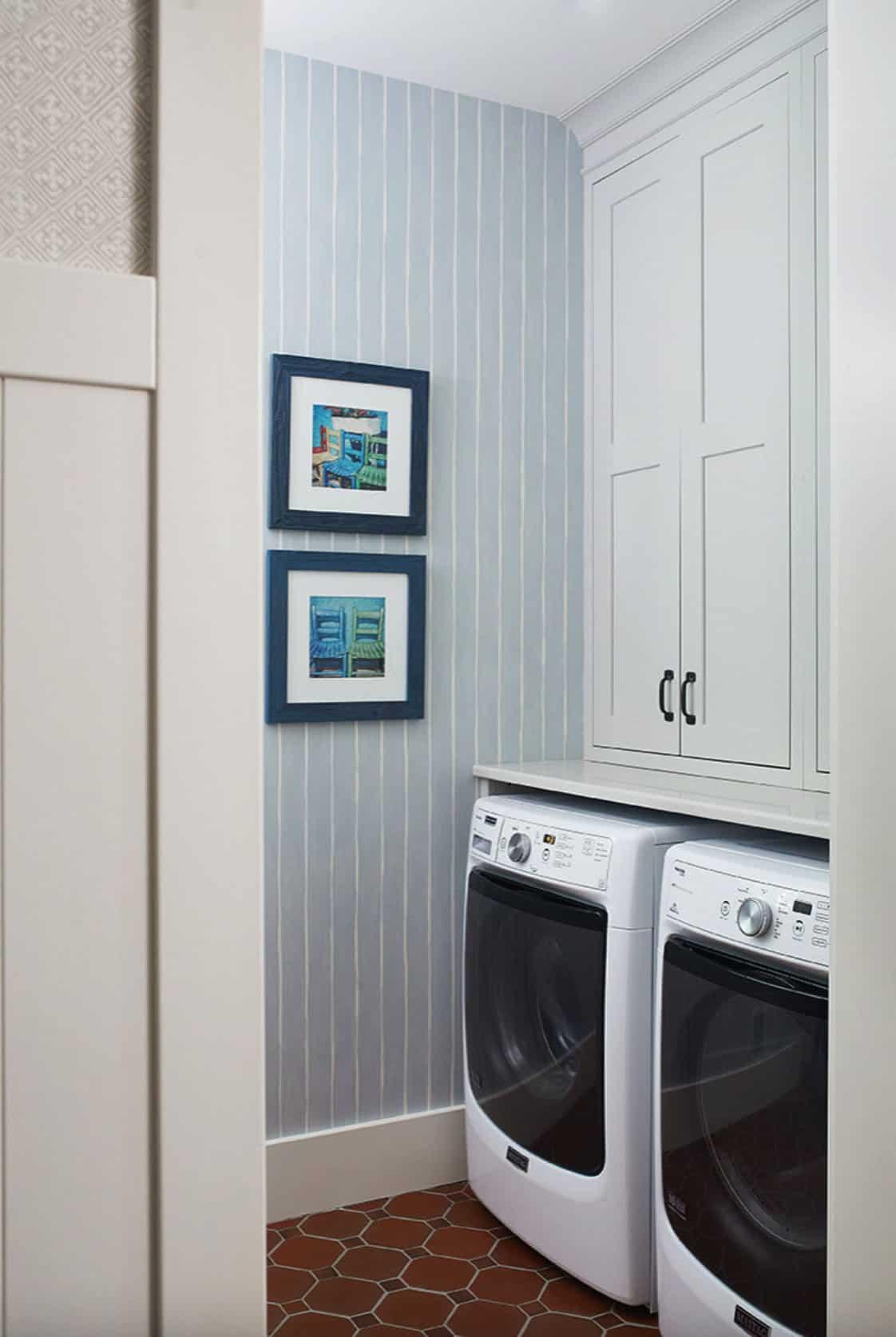rustic-modern-laundry-room