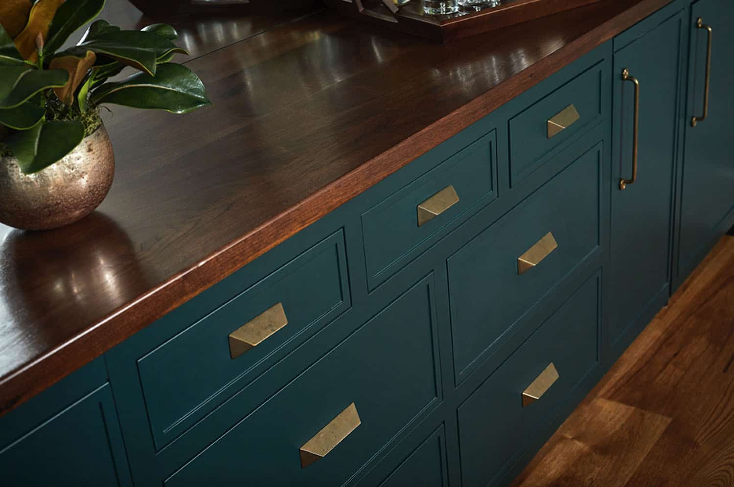 rustic-modern-dining-room-cabinet-detail